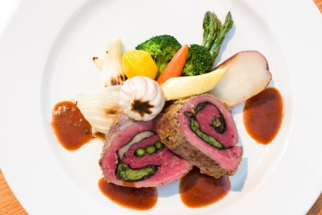 Stuffed Beef Tenderloin with Vegetables